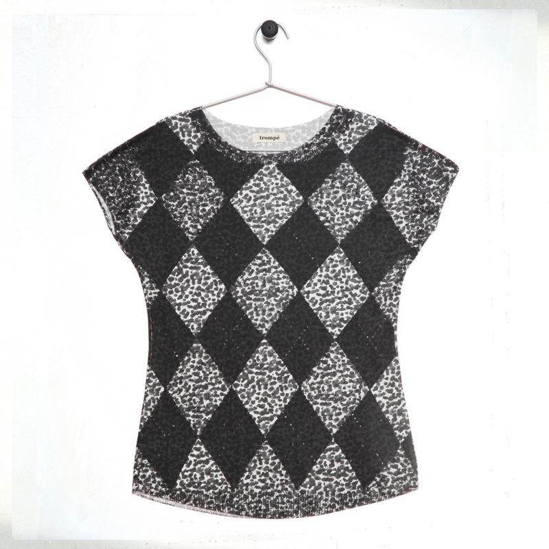 t-shirt on sale